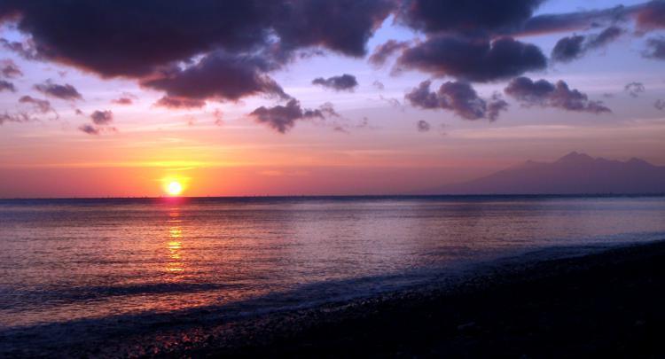 Sunrise @ Puri Wirata Dive Resort - Amed